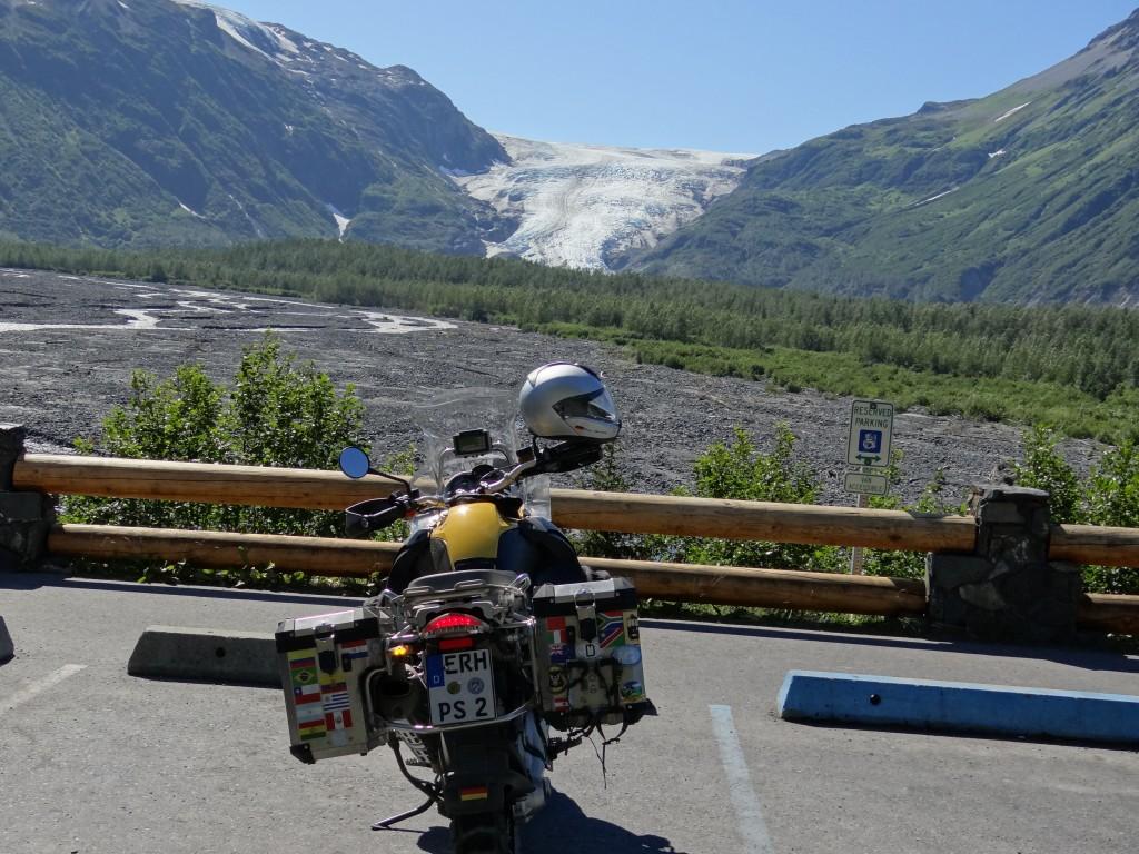 in der Ferne der Exit Glacier