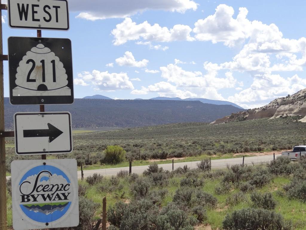 der Bienenkorb, Utahs Symbol, Hwy 211 führt in den Canyonlands NP
