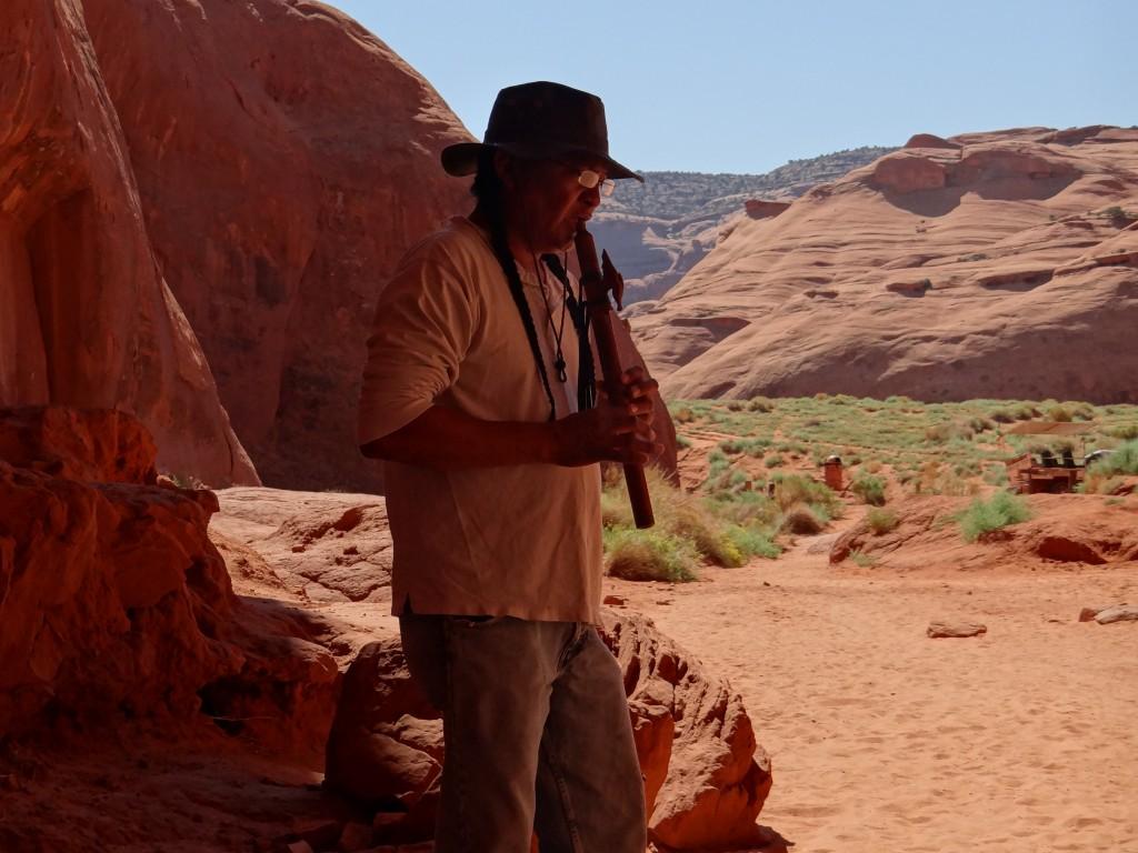 ... was uns unser Guide, ein Navajo, mit einer indianischen Weise demonstriert