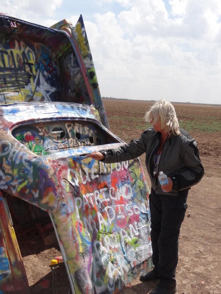 man ist aufgefordert Graffitis zu hinterlassen