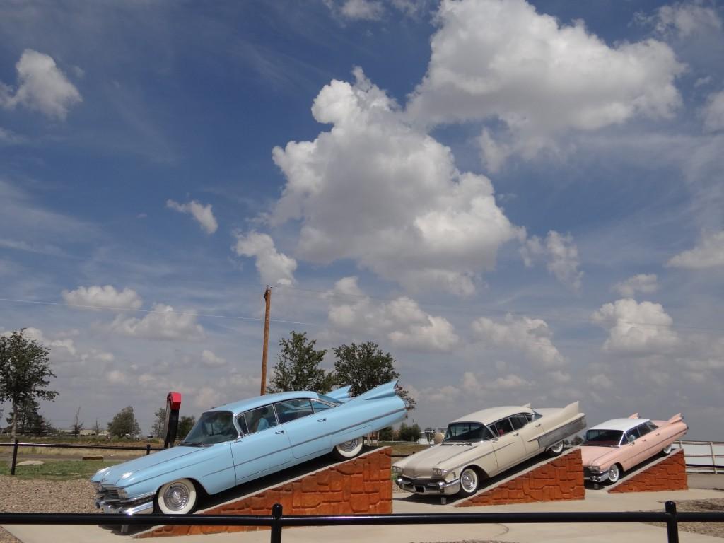 besser erhaltene Modelle vor einem RV Park