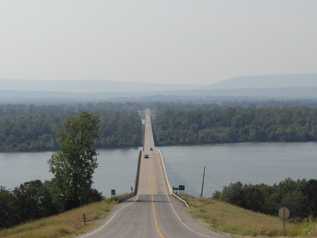 immer wieder überqueren wir den Arkansas River