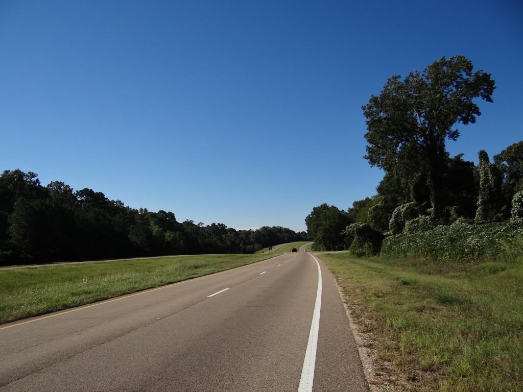 unglaublich gepflegter Hwy 61 in Mississippi