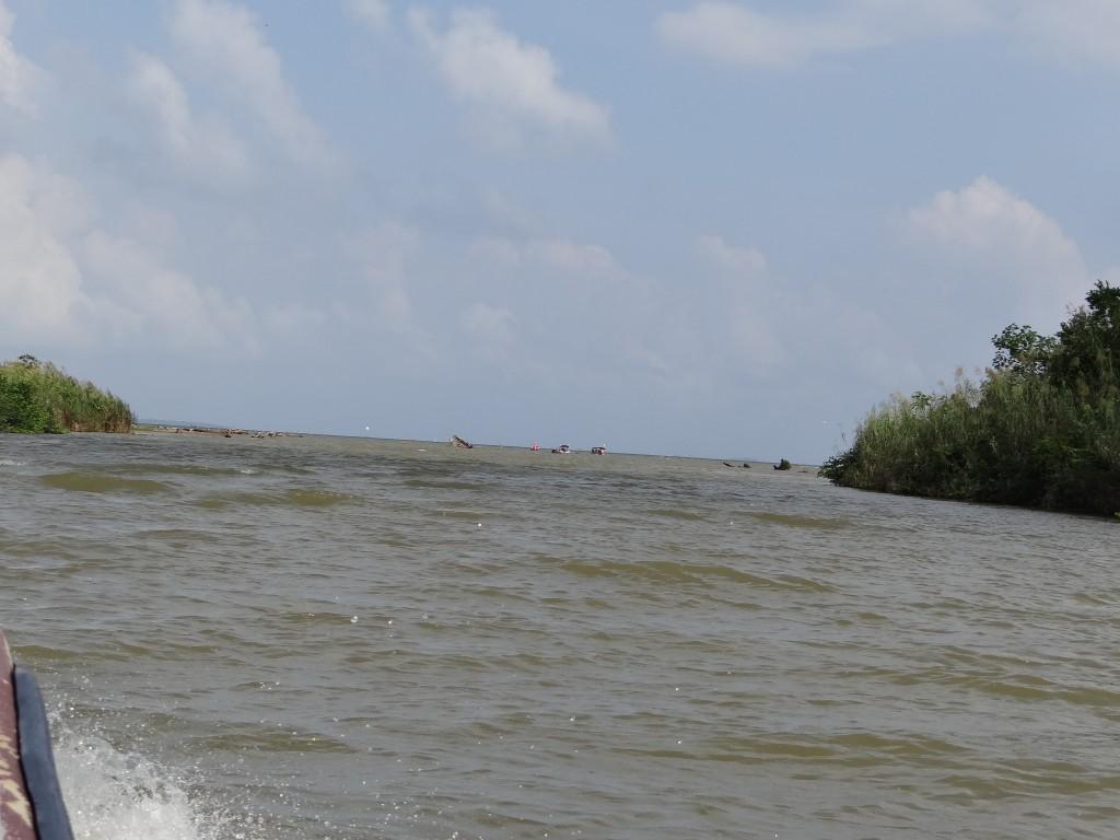 von der Lagune ins offene Meer